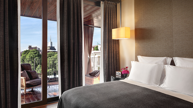 Bulgari Hotel Milan suite bedroom