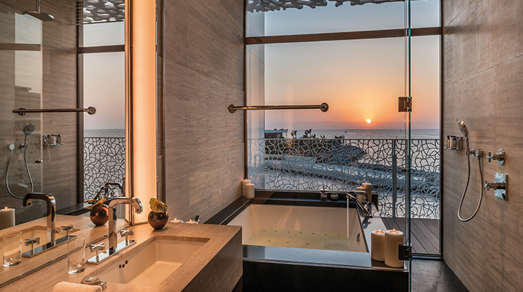 bulgari resort and residences dubai bulgari suite bathroom