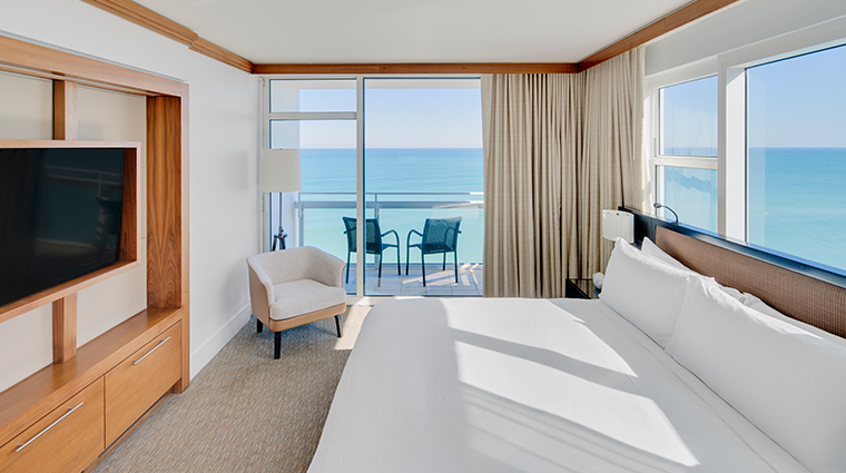 carillon miami wellness resort oceanfront suite balcony