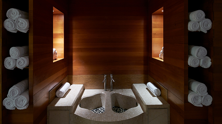 carillon miami wellness resort thermal footbath