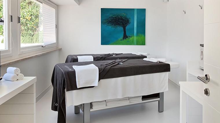 casa angelina spa treatment room