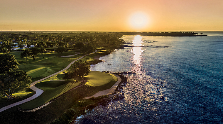 casa de campo resort villas golf sunrise