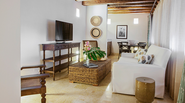 casa san agustin junior suite living room