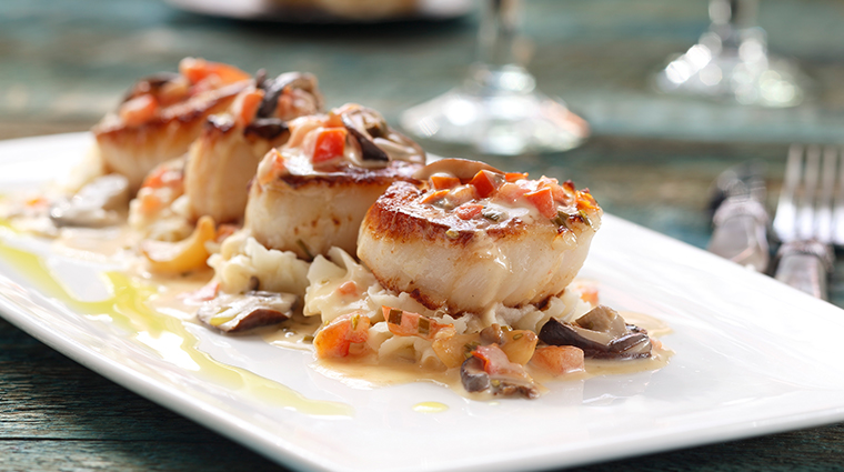 chandlers prime steaks fine seafood food scallops