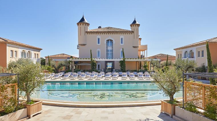 chateau de la messardiere facade pool