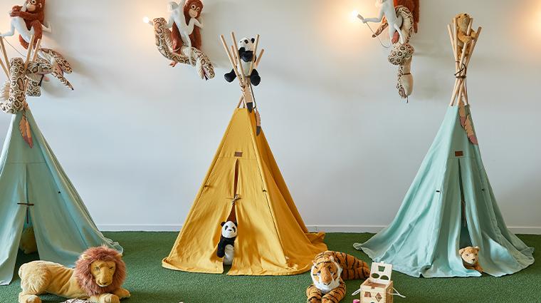 chateau de la messardiere kids room