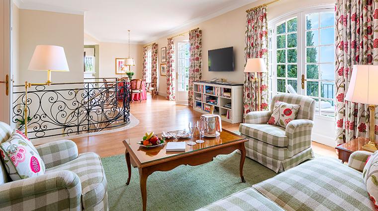 chateau saint martin spa Villa La Foux Living Room2