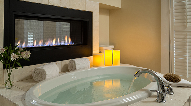 chatham inn guest bathroom fireside tub