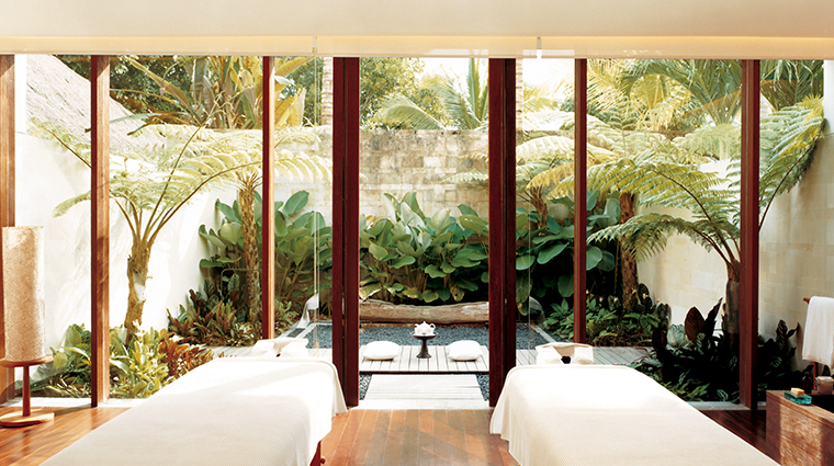 como shambhala retreat at como parrot cay double treatment room