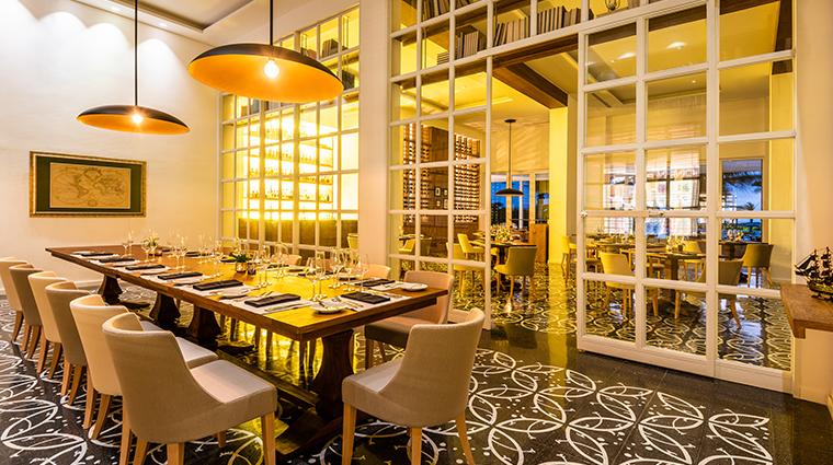 conrad cartagena biblioteka restaurant
