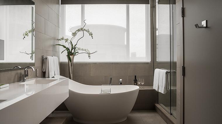 conrad indianapolis suite bathroom tub