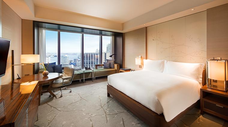 conrad tokyo king bay view room