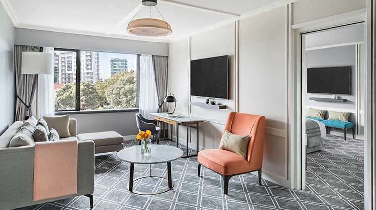 cordis auckland junior suite lounge
