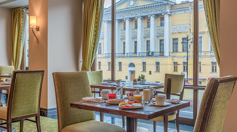 corinthia st petersburg imperial restaurant breakfast2