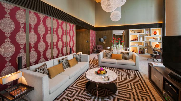 PropertyImage CrownTowers Hotel GuestroomSuire VillaLivingRoom 1 CreditCityOfDreams