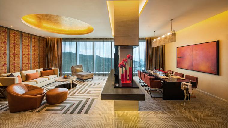 PropertyImage CrownTowers Hotel GuestroomSuire VillaLivingRoomandDiningRoom CreditCityOfDreams
