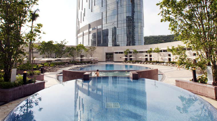 PropertyImage CrownTowers Hotel Pool CreditCityOfDreams