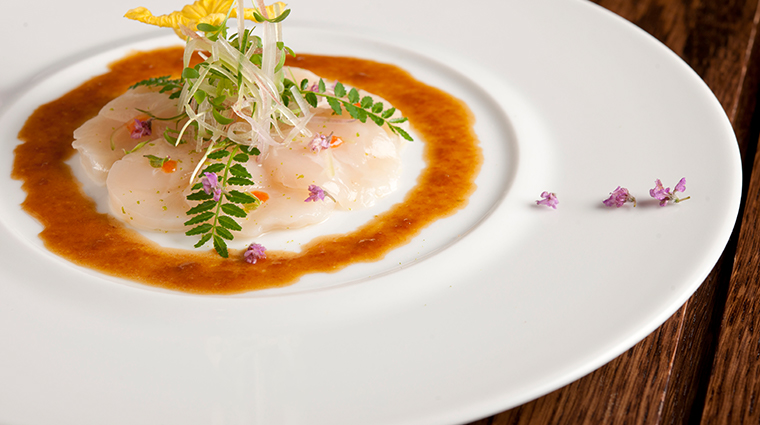 cut singapore scallop carpaccio