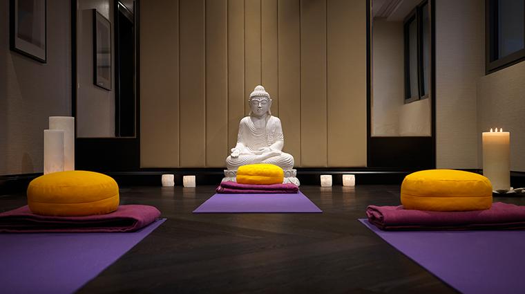 dipiu day spa yoga room