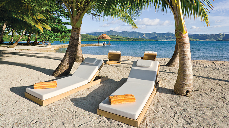 dolphin island moveable sun loungers