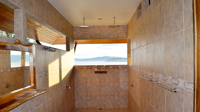 drake bay getaway resort bungallow bathroom view