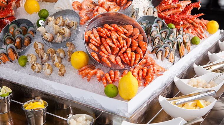 ebony at mandarin oriental guangzhou seafood spread