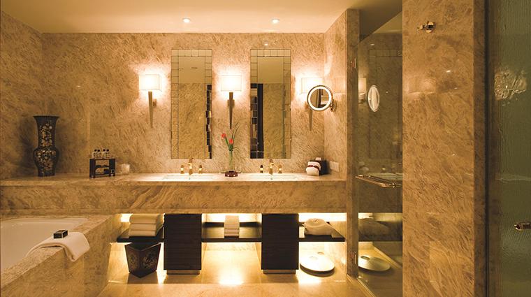 Fairmont Beijing Hotel grand bathroom