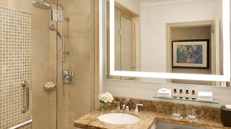 fairmont hotel vancouver guest bathroom