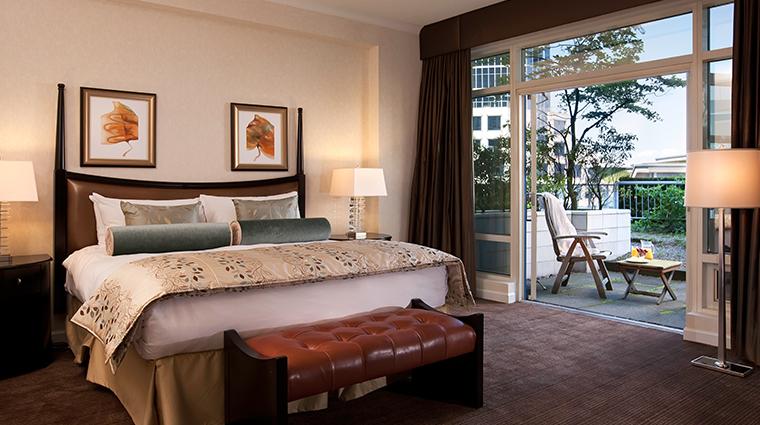 fairmont waterfront vancouver garden suite bedroom