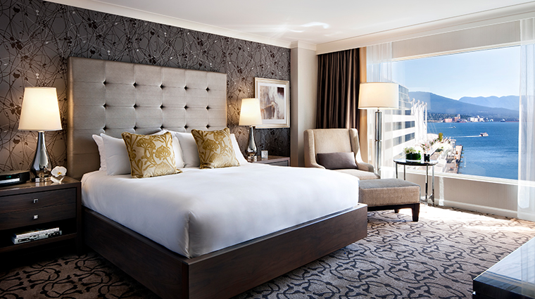 fairmont waterfront vancouver gold harbour room