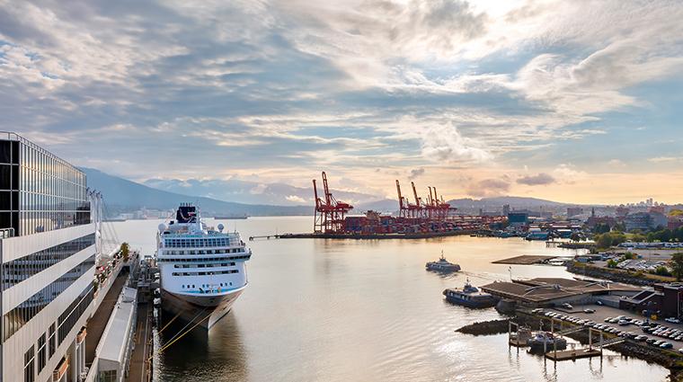 fairmont waterfront vancouver harbour view