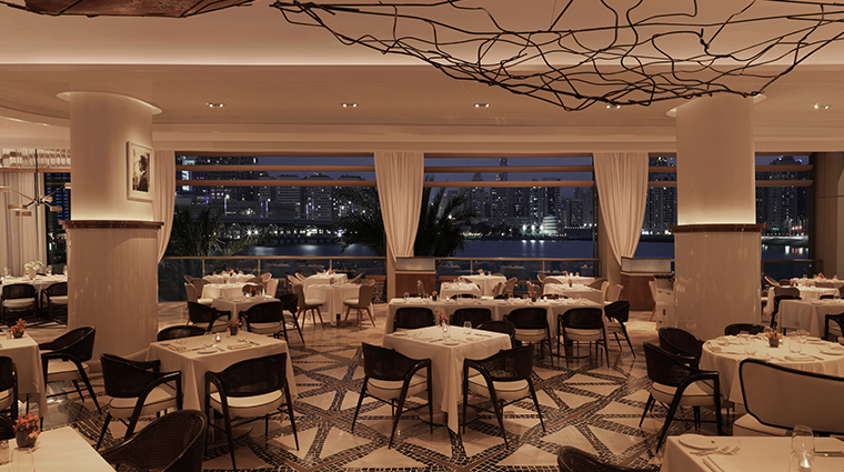 four seasons hotel abu dhabi at al maryah island Cafe Milano dining room