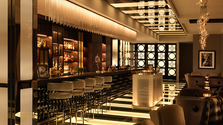 four seasons hotel abu dhabi at al maryah island Zsa Zsa Bar