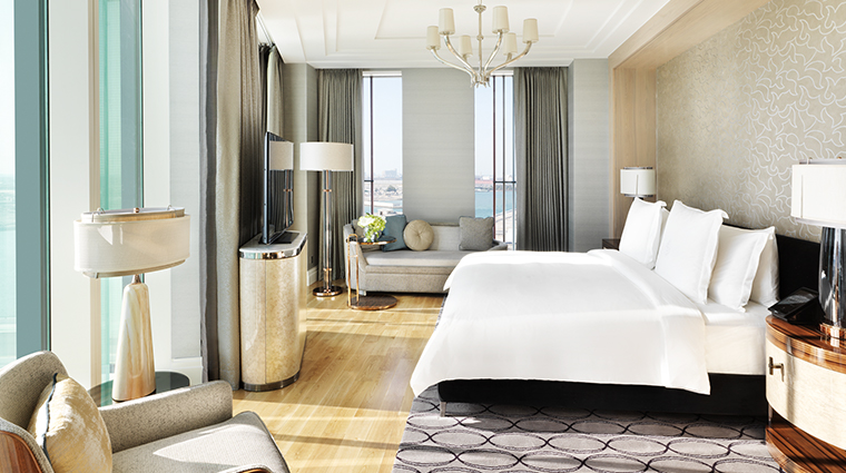 four seasons hotel abu dhabi at al maryah island executive suite bedroom