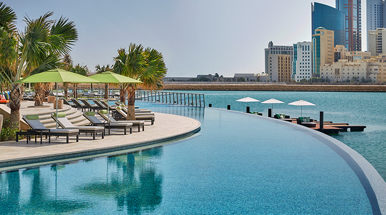 four seasons hotel bahrain bay infinity pool