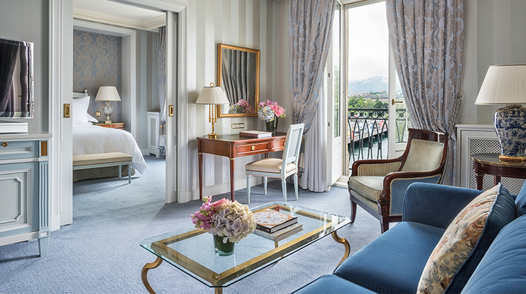 four seasons hotel des bergues geneva deluxe room living area