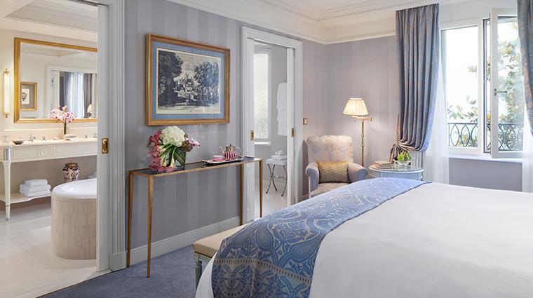 four seasons hotel des bergues geneva guestroom angle