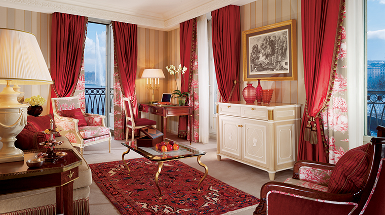 four seasons hotel des bergues geneva living room red