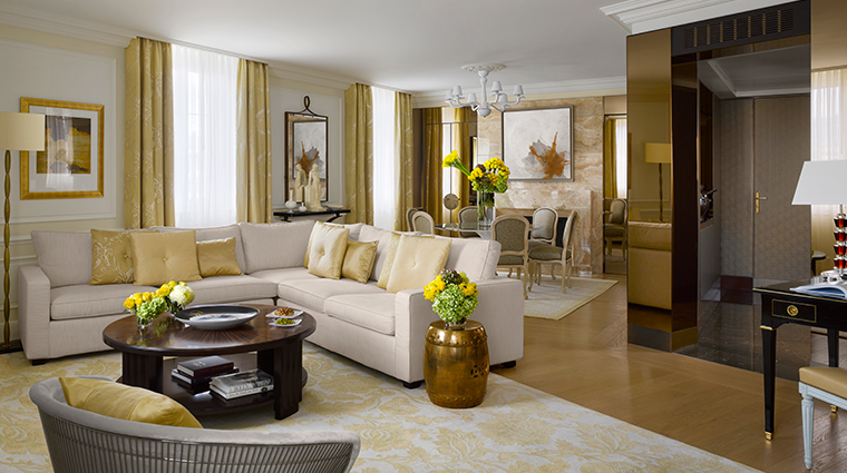 four seasons hotel des bergues geneva suite gold living room