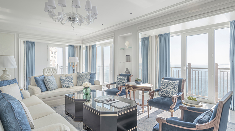 four seasons hotel doha new living room2