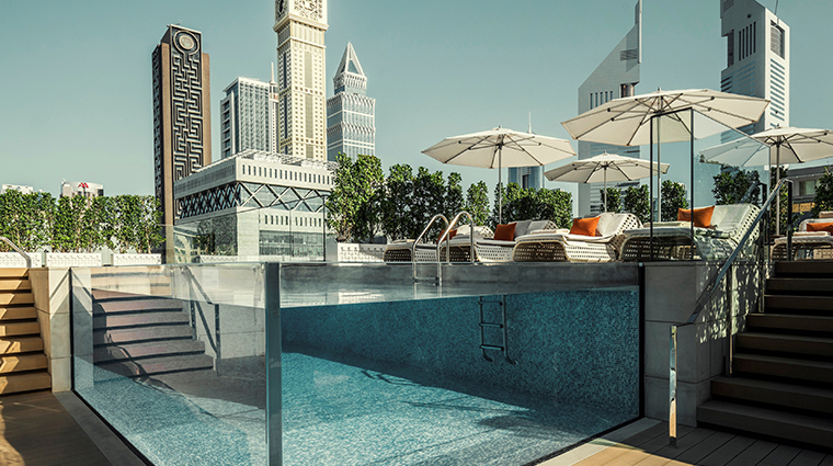 four seasons hotel dubai international financial centre pool