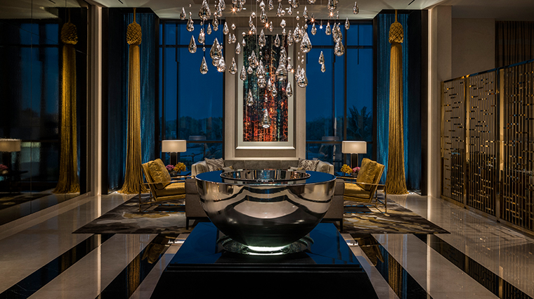 four seasons hotel dubai international financial centre glass chandelier