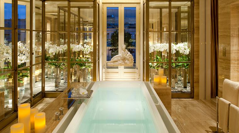 four seasons hotel george v paris penthouse bathroom