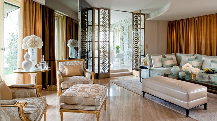 four seasons hotel george v paris penthouse living room