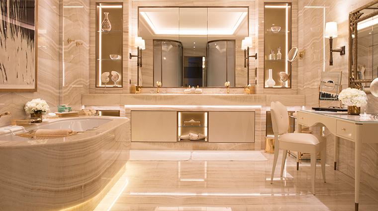 four seasons hotel george v paris presidential suite bathroom