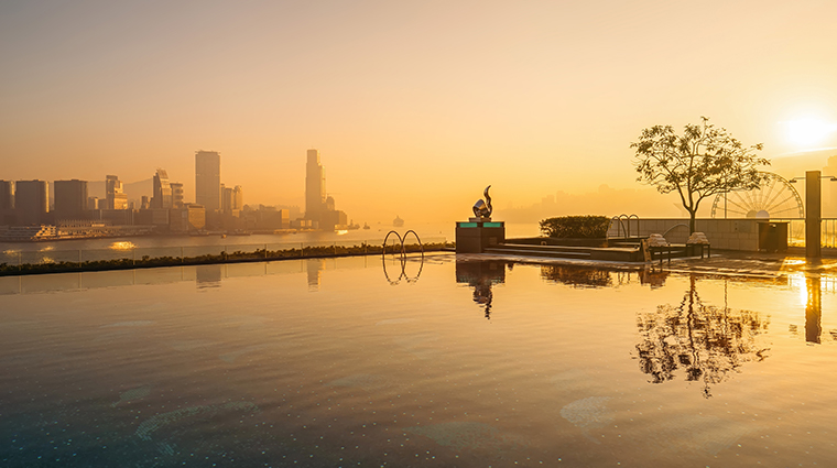 four seasons hotel hong kong swimming pool