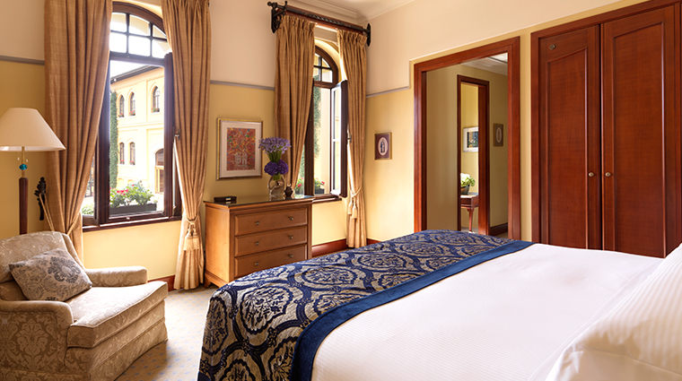 four seasons hotel istanbul at sultanahmet bedroom3