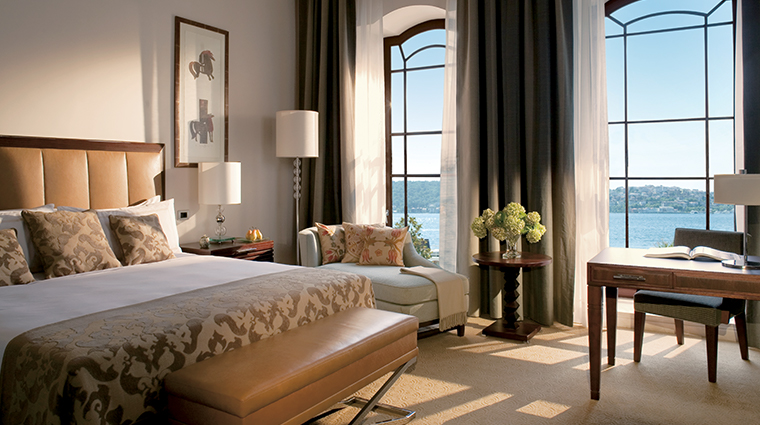 four seasons hotel istanbul at the bosphorus bedroom view