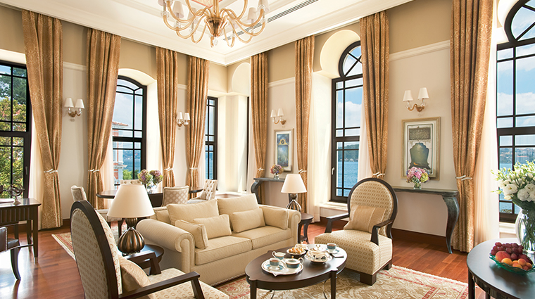 four seasons hotel istanbul at the bosphorus living room2