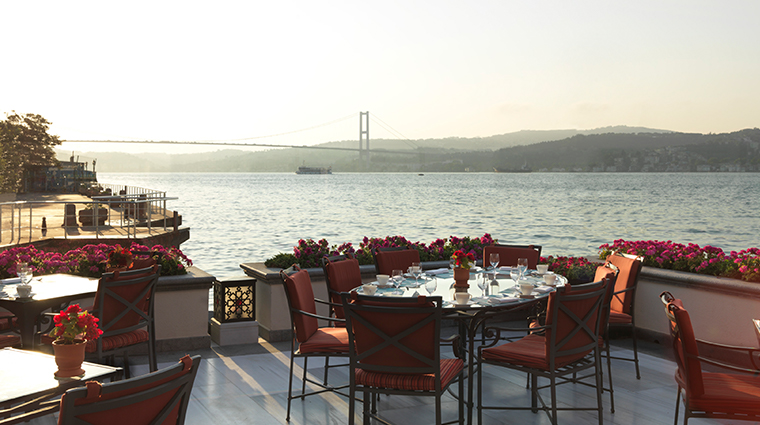 four seasons hotel istanbul at the bosphorus restaurant by water